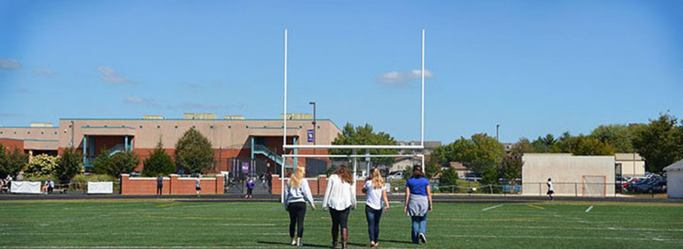 Chantilly students build meaningful relationships. Photo by Brittany Sharabi